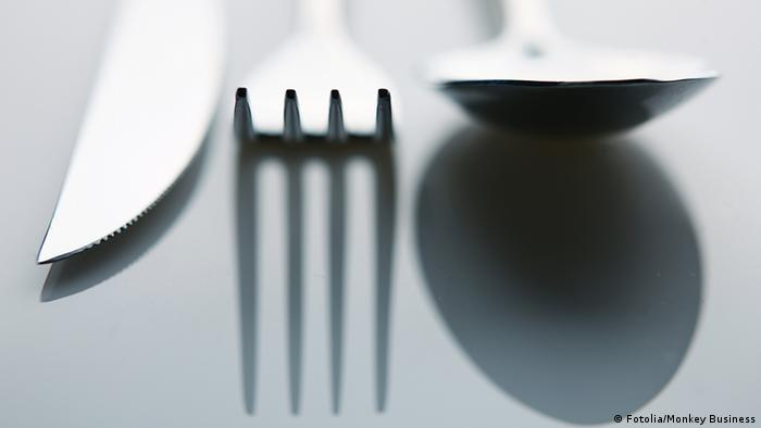 Symbolbild Essen Messer Gabel Löffel Besteck (Fotolia/Monkey Business)