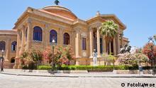 Teatro Massimo - famous opera house on the Piazza Verdi in Palermo, Sicily Fotolia_35079689_vvoe - Fotolia
