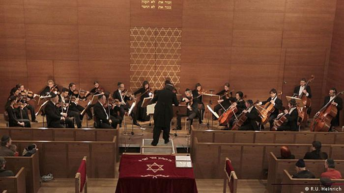 Dresden orchestra plays 'Degenerate Music' in Israel