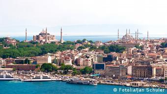 Προβάδισμα δίνουν τουρκικές δημοσκοπήσεις στον Ιμάμογλου.