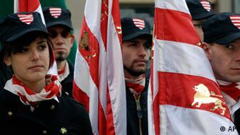 Mitglieder der rechtsextremen Ungarischen Garde in Budapest (Foto: ddp images/AP Photo/Bela Szandelszky)