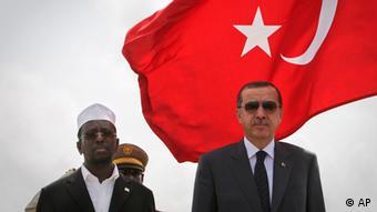 Somali President Sheik Sharif Sheik Ahmed and Turkish Prime Minister Recep Tayyip Erdogan, hospital. (Foto:AU-UN IST, Stuart Price/AP/dapd)