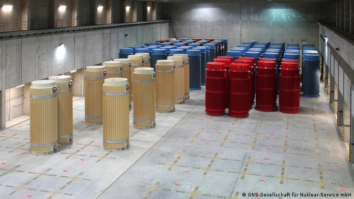 radioactive waste storage castors Archived picture: GNS Gesellschaft für Nuklear-Service mbH, Rechtefrei für DW