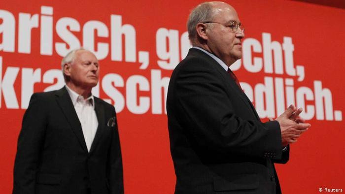 Oskar Lafontaine, ex jefe de La Izquierda, y Gregor Gysi (dcha.).