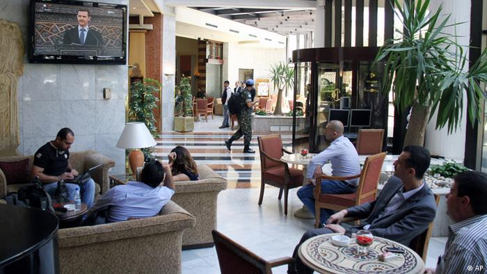 """بشار اسد در سخنان خود در پارلمان تأکید کرد که با """"تروریستها"""" مذاکره نمیکند"""