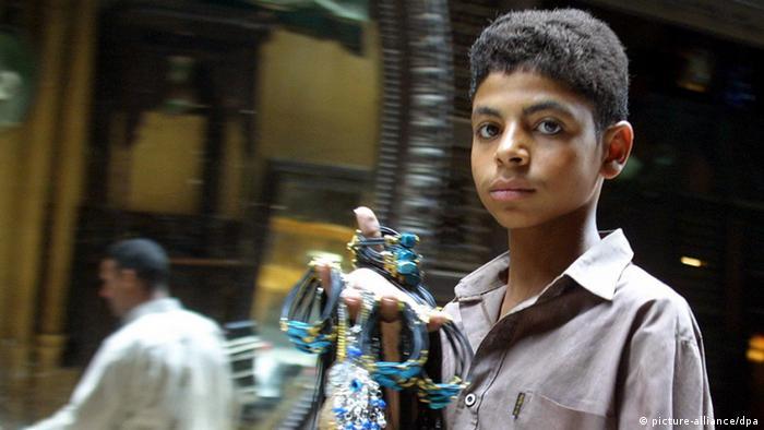Straßenkind in Ägypten