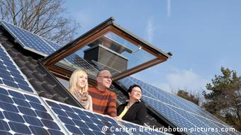 Photo illustration of solar panel on a roof(Photo: Carsten Behler / photon-pictures.com)