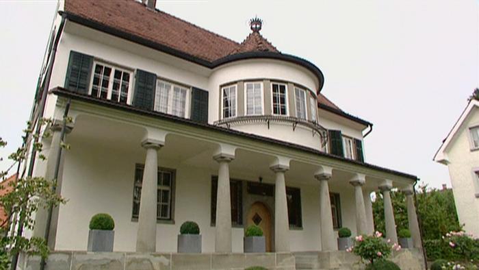 philipp pleins villa in der schweiz euromaxx ambiente dw. Black Bedroom Furniture Sets. Home Design Ideas