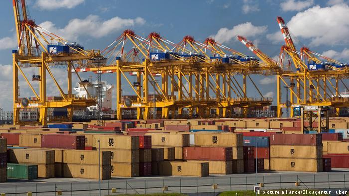 Containerhafen Bremerhaven (Foto: picture alliance/Bildagentur Huber)