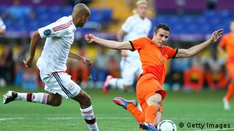 KHARKOV, UKRAINE - JUNE 09: Robin van Persie of Netherlands misses a chance at goal during the UEFA EURO 2012 group B match between Netherlands and Denmark at Metalist Stadium on June 9, 2012 in Kharkov, Ukraine. (Photo by Julian Finney/Getty Images)