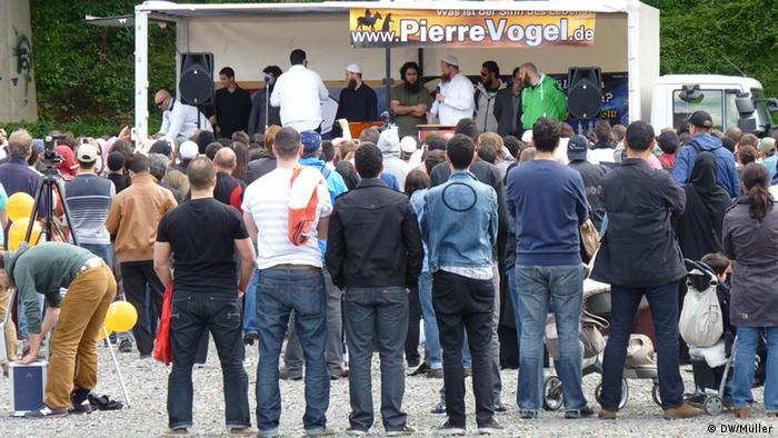 1. Islamischer Friedenskongress der Salafisten am 9.6. 2012 in Köln. (Foto:Marco Müller/DW)