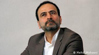 حسن فرشتیان میگوید قانونگذار حق ندارد با تصویب یک قانون نهاد خانواده را مبتذل کند