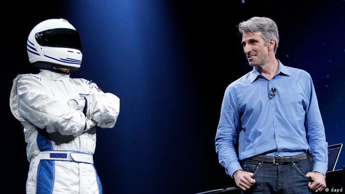"""""""اپل"""" اعلام کرد که نسخهی بهروز شده """"سیری"""" اشکالات  نسخهی پیشین را ندارد و دستیار صوتی """"سیری"""" حالا قابل استفاده در آیپد نیز هست."""