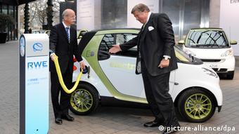 Erstes Deutsches Elektroauto Geht In Serie Wirtschaft Dw 12 06 2012