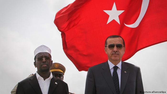 Türkiye Cumhurbaşkanı Recep Tayyip Erdoğan, Somali Devlet Başkanı Şeyh Şerif Şeyh Ahmed ile Somali'de