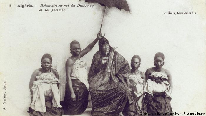 Béhanzin, lors de son exil en Algérie vers 1900