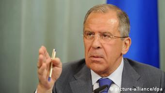 Lavrov points duirng a press conference Photo ITAR-TASS / Sergei Fadeichev picture alliance / dpa