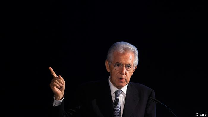 Italien Prime Minister Mario Monti delivers his speech during the awarding ceremony of the ESMT Responsible Leadership Award in Berlin, Germany, Wednesday, June 13, 2012. Monit honored with the award by the European School of Management and Technology (ESMT). (AP Photo/Markus Schreiber)