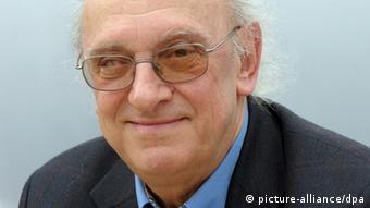 Der Autor Petros Markaris 2009 (Foto: Peter Endig +++(c) dpa - Report+++)