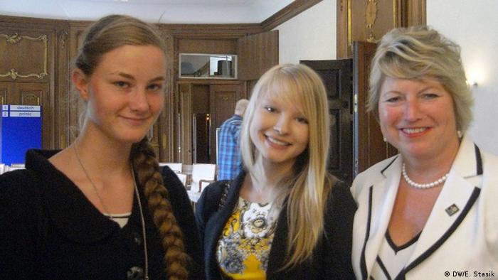 Cornelia Pieper z Jessicą Seidler i Jessicą Luise-Przybylski z polsko-niemieckiej szkoły w Loecknitz