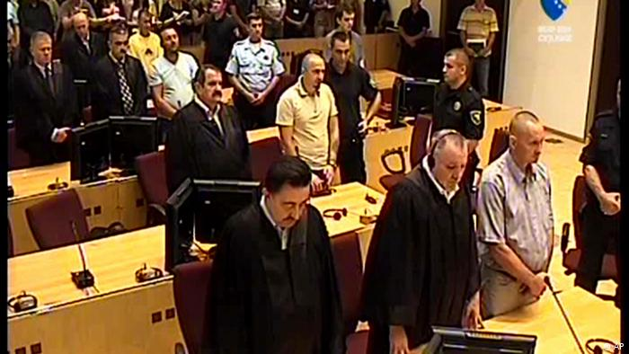 Bosnienkrieg Vier ehemalige serbische Soldaten in Sarajevo verurteilt
