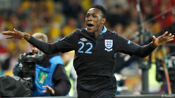 England's Daniel Wellbeck celebrates scoring his team's third goal against Sweden during their Group D Euro 2012 soccer match at the Olympic stadium in Kiev, June 15, 2012. REUTERS/Alexander Demianchuk (UKRAINE - Tags: SPORT SOCCER)