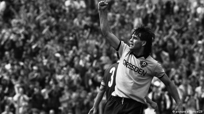 Ulf Kirsten, com camisa do Dynamo Dresden, em 1987