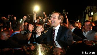jubelnder Wahlsieger Samaras Photo: Reuters