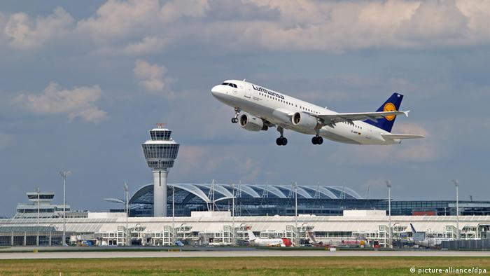 An Airbus A 320 takes off