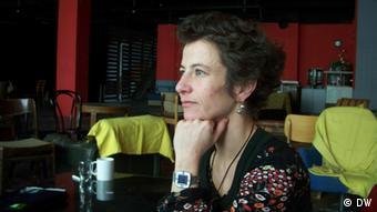 Die ungarische Künstlerin Julia Barsony (Copyright: DW/Keno Verseck)