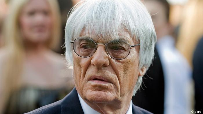 Formula One boss Bernie Ecclestone arrives at the opening gala for the Canadian Grand Prix in Montreal on Thursday, June 7, 2012. (Foto:The Canadian Press, Graham Hughes/AP/dapd)