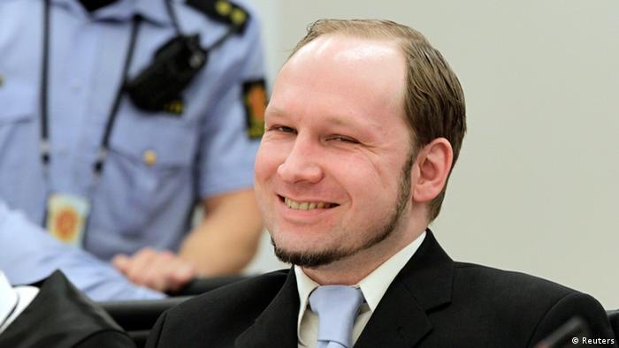 Anders Behring Breivik, în timpul procesului, în 2012