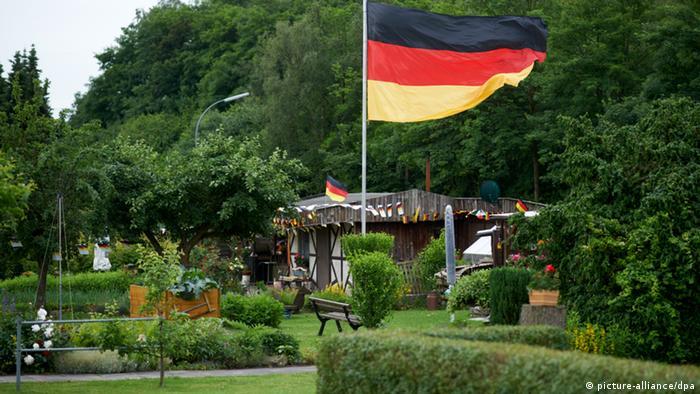 whatmakesyougerman was ist typisch deutsch deutschland dw. Black Bedroom Furniture Sets. Home Design Ideas