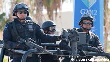 Mexiko Schwer bewaffnet fahren Soldaten