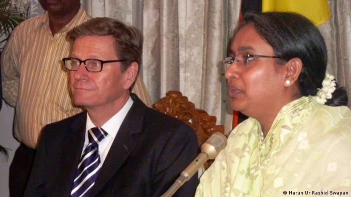 Photo title German Foreign Minister Guido Westerwelle's Bangladesh tour Keywords Guido Westerwelle, Dhaka, Bangladesh Description German Foreign Minister Guido Westerwelle is making his first-ever visit to Bangladesh. The foreign minister is traveling to India and Bangladesh from June 21-24 with a large business delegation. Zulieferer: Arafatul Islam Photo @ Harun Ur Rashid Swapan and DW is pernited to use. Photo taken date 23-06-12
