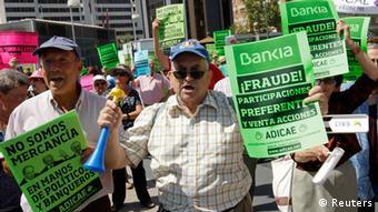 Χαρακτηριστικό στιγμιότυπο από διαδήλωση αποταμιευτών της Bankia στη διάρκεια της ευρω-κρίσης
