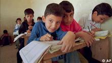 Schulkinder in einem Bagdader Armenviertel