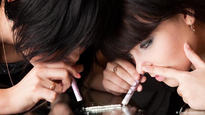 Symbolbild Sucht Drogen Kokain Koks