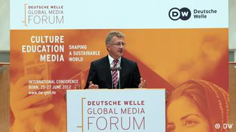 Eröffnung des Deutsche Welle Global Media Forum 2012 am 25.06.2012 durch Dr. Reinhard Hartstein, stellvertretender Intendant der Deutschen Welle, im World Conference Center Bonn
