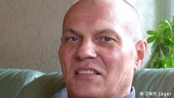 Ralf Weber verbrachte zwölf Jahre in Erziehungsheimen der DDR. Durch seine erfolgreiche Klage vor dem Bundesverfassungsgericht können bis zu 400.000 Opfer auf Entschädigung hoffen. Copyright: DW/Karin Jäger 14.06.2012