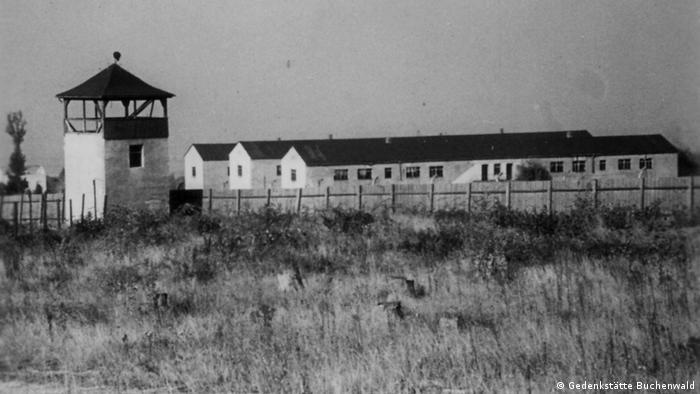 Wieża strażnicza i baraki obozu koncentracyjnego Buchenwald