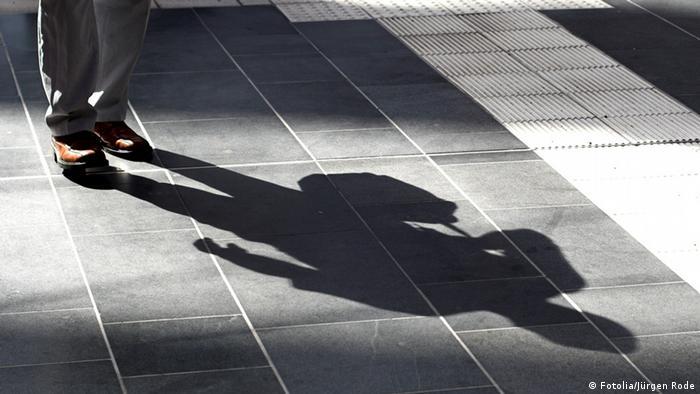 Schatten Mann Sillhouette Symbolbild