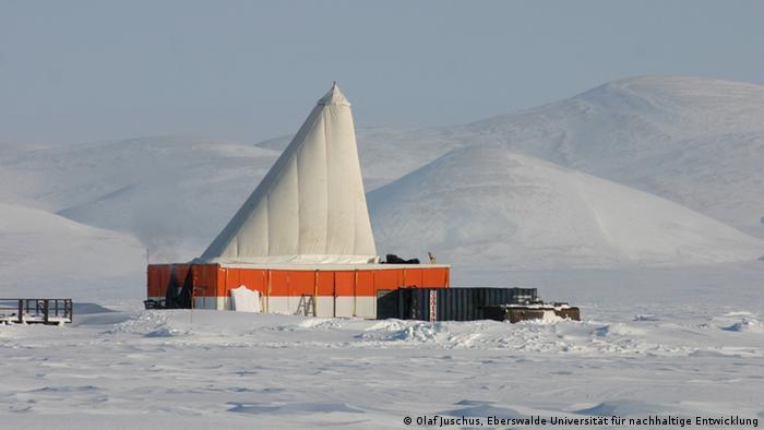 Der Bohrplatz des Elgygytygn Bohrprojektes. (Foto: Olaf Juschus, Eberswalde Universität für nachhaltige Entwicklung/ Elgygytygn Drilling Project)