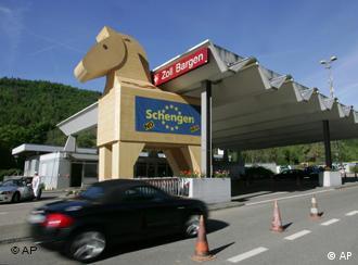 En Suiza algunos consideran el Tratado de Schengen como un Caballo de Troya.