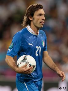 Italy's Andrea Pirlo controls the ball during the Euro 2012 soccer championship quarterfinal match between England and Italy in Kiev, Ukraine, Sunday, June 24, 2012. (Foto:Ivan Sekretarev/AP/dapd)