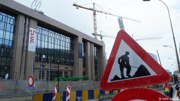 Ремонтно-строительные работы у здания Совета Европейского Союза