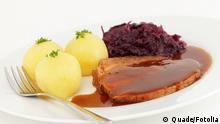 Schweinebraten,Kartoffelklöße,Rotkohl © Quade #30991092