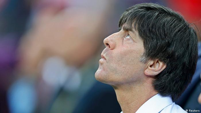 Contra Italia, en la semifinal de la Eurocopa, el entrenador alemán Joachim Löw cometió fallos dicen sus críticos.