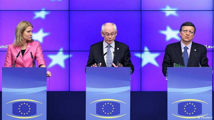 (L-R) Denmark's Prime Minister Helle Thorning-Schmidt, European Council President Herman Van Rompuy and European Commission President Jose Manuel Barroso address a joint news conference during an European Union leaders summit in Brussels June 28, 2012. EU leaders were meeting on Thursday for their 20th summit since Europe's debt crisis began 2-1/2 years ago. REUTERS/Francois Lenoir (BELGIUM - Tags: POLITICS BUSINESS TPX IMAGES OF THE DAY)