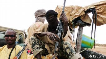 Milizen der Gruppe Ansar Dine in Gao, 18.6. 2012. (Foto: Reuters)